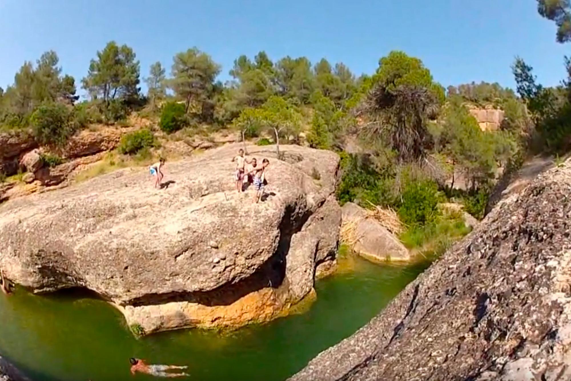 Les Olles de Horta de Sant Joan en el río Canaletes